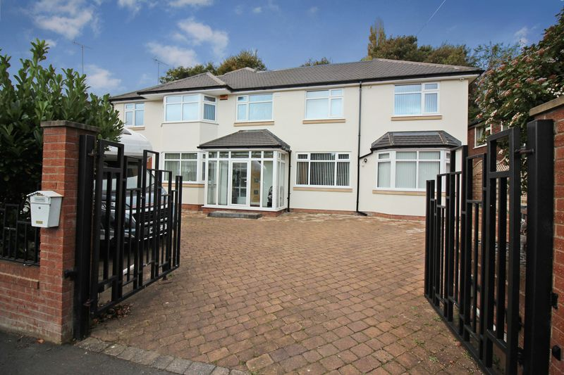 Swanage Close, Bury, BL8 1JT